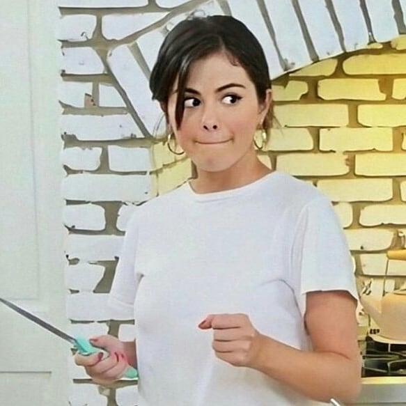SELENA GOMEZ AS CHEF ON HBO MAX!